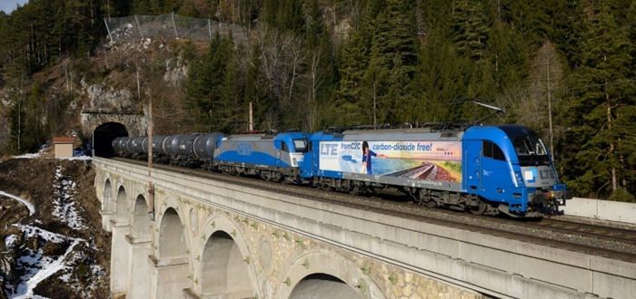 The Rhenus Group enhances its Rail business unit by acquiring shares in LTE.