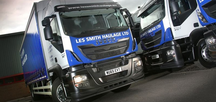 Proven performance seals the deal as Les Smith Haulage renews fleet with 10 Iveco Stralis trucks.