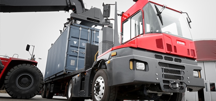 Kalmar to deliver Iberia's first two T2 terminal tractors along with five forklift trucks.