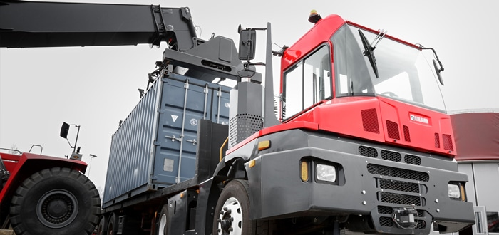 Kalmar wins another T2 terminal tractor order in the Middle East.
