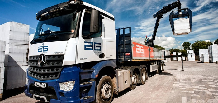 Mercedes-Benz Arocs lifts AG to new heights.