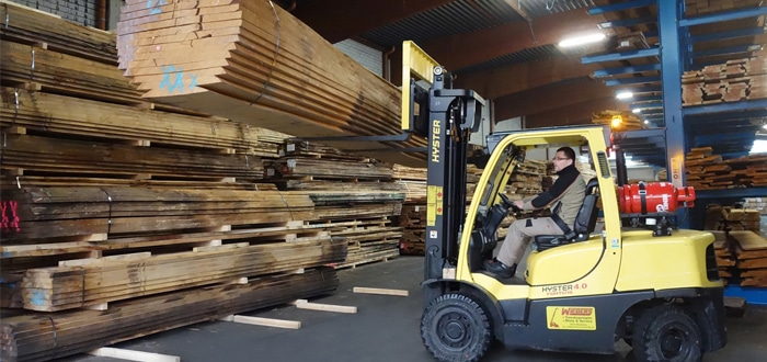 Wood Wholesaler Holz-Tusche Depends On Cost-Effective Hyster® Trucks.