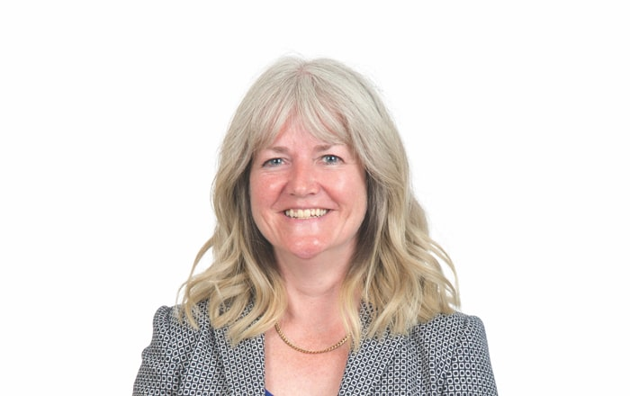 Bis Henderson Recruits Senior Practitioner To Executive Search Role.
