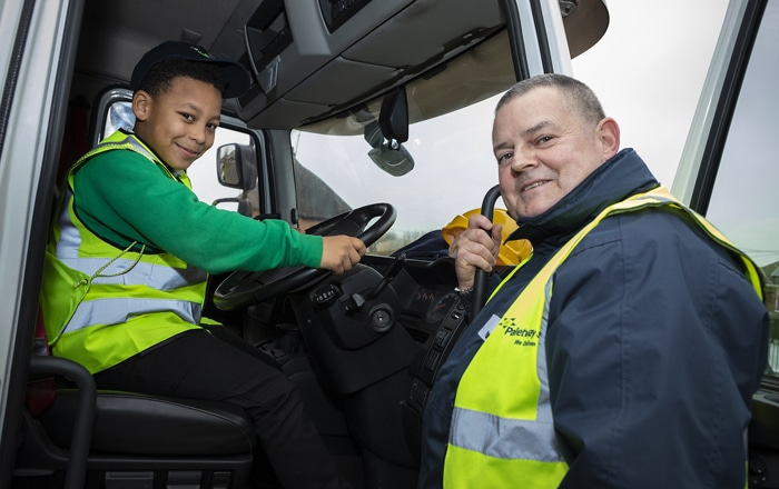 Palletways Goes The Extra Mile Delivering Educational Workshops To Birmingham Children With National Road Safety Charity.